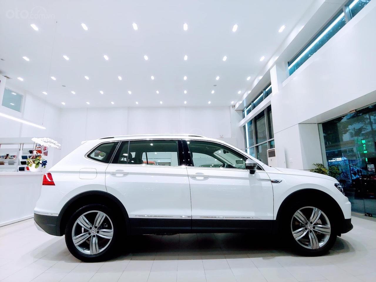 Bán Volkswagen Tiguan Allspace 2019, màu trắng-1