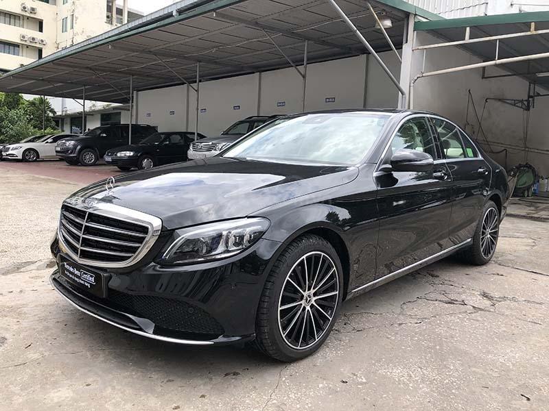 Bán xe Mercedes C200 Exclusive model 2019, màu đen, nội thất be mới chạy 6000 km giá rẻ, bảo hành chính hãng (3)