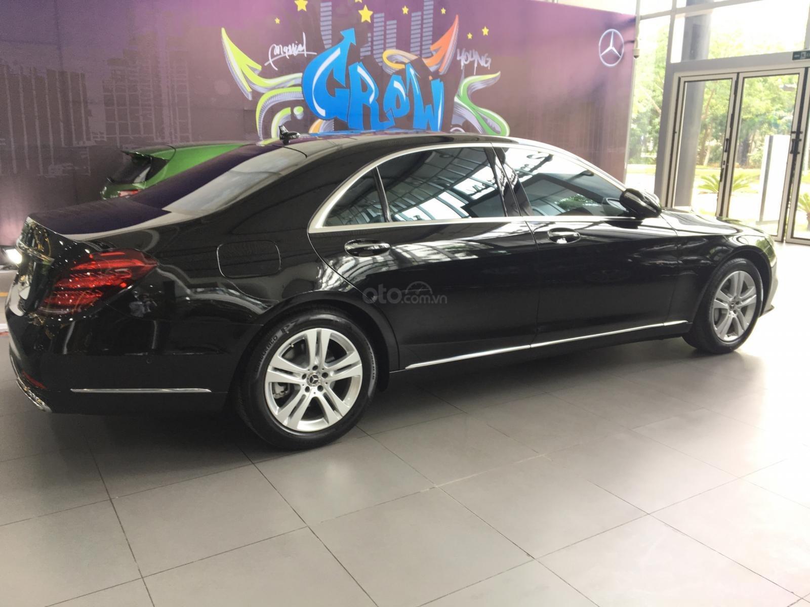 Giá bán và khuyến mãi Mercedes S450 sx 2019, giá lăn bánh, ưu đãi bảo hiểm và phụ kiện chính hãng (7)