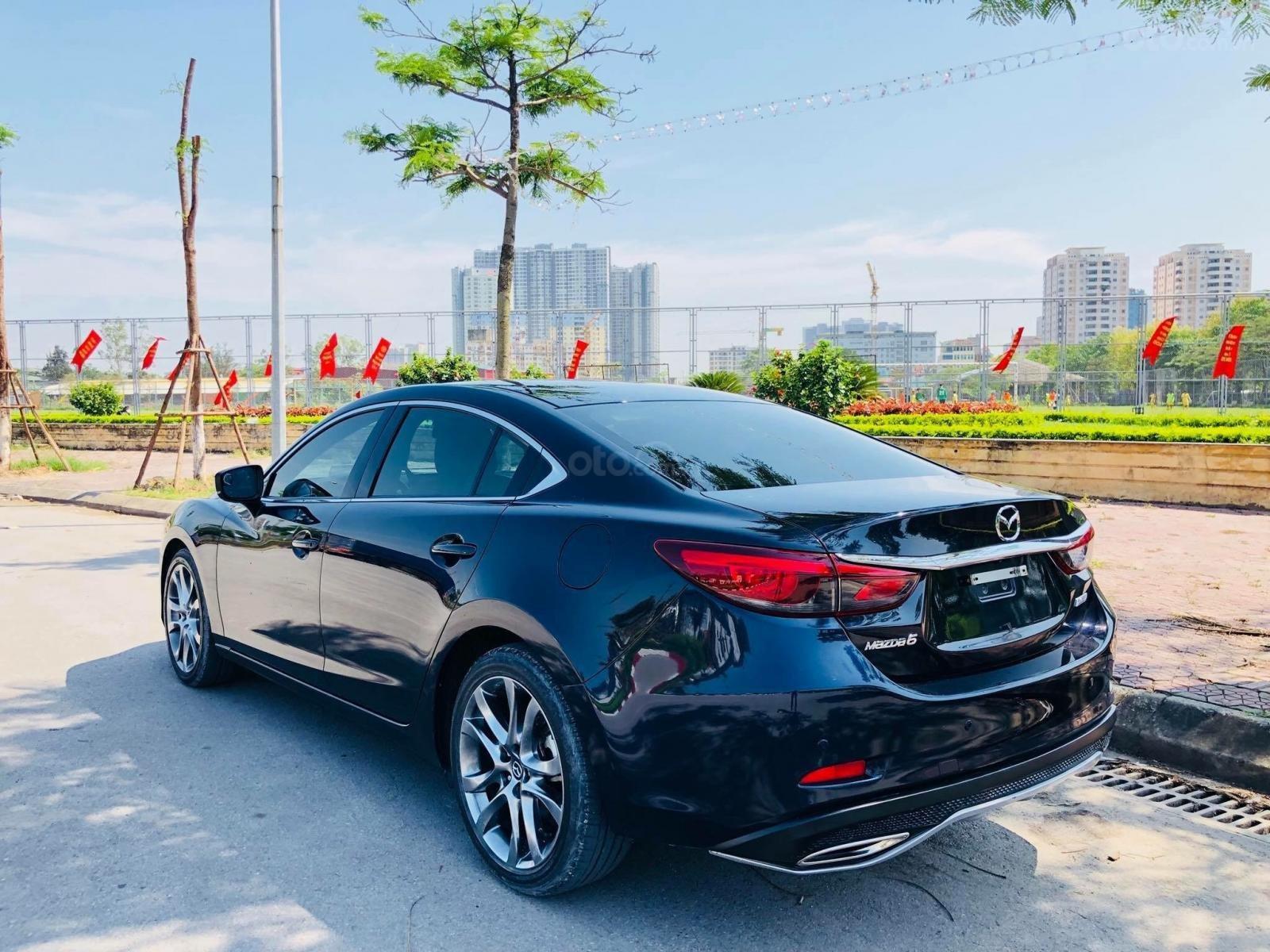 Mazda 6 ưu đãi tốt nhất, trả trước 270 triệu (9)