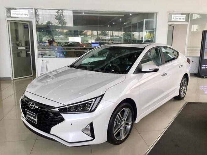 Bán Hyundai Elantra Sport 1.6 turbo năm 2019, màu trắng (2)