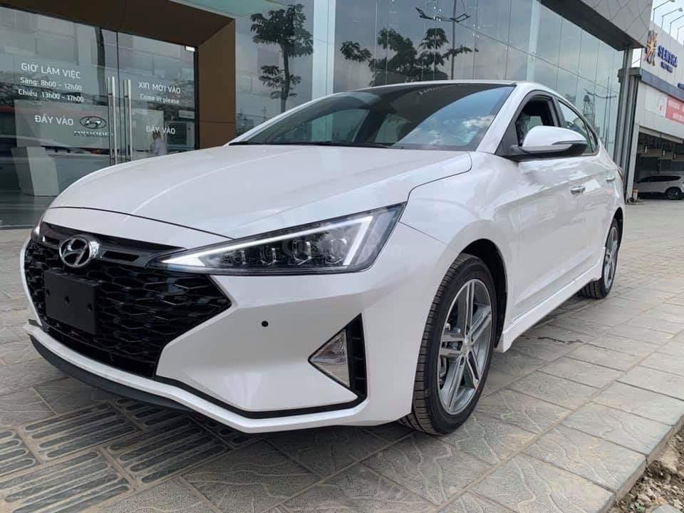 Bán Hyundai Elantra Sport 1.6 turbo năm 2019, màu trắng (5)