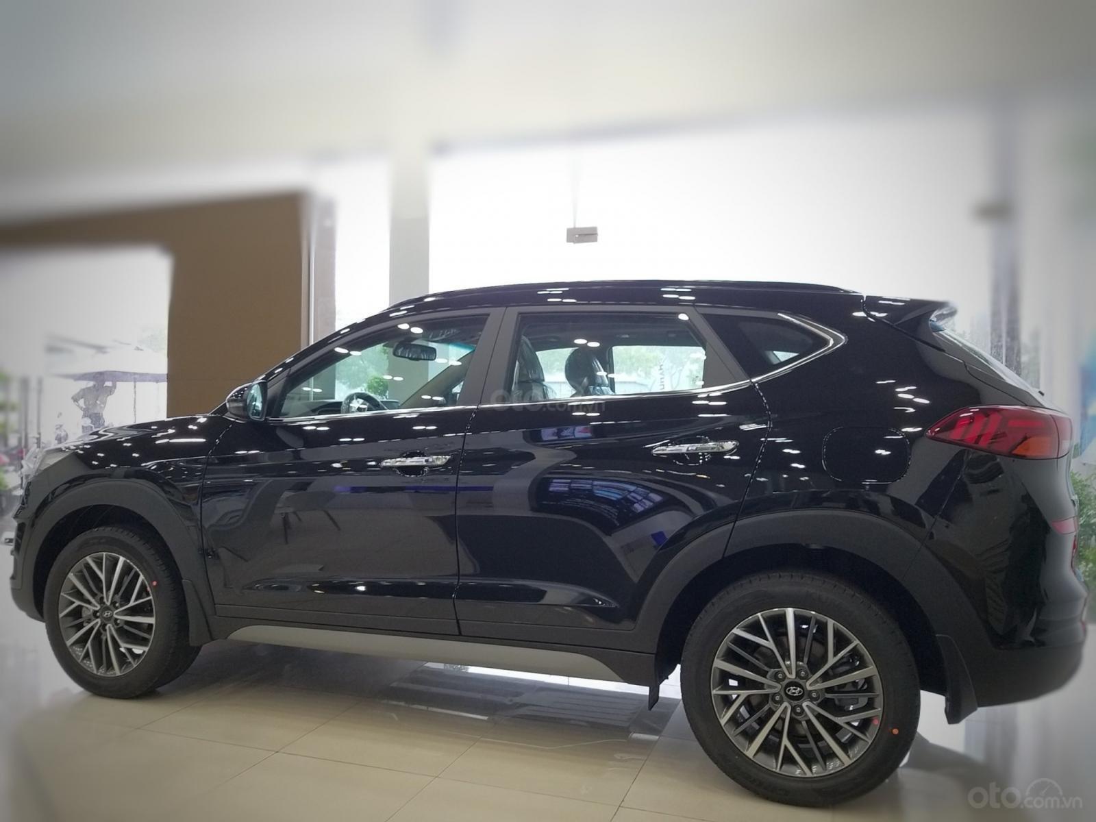 Bán Hyundai Tucson 2019, sẵn xe đủ màu giao ngay, tặng phụ kiện hấp dẫn, LH Mr Ân: 0939493259-2