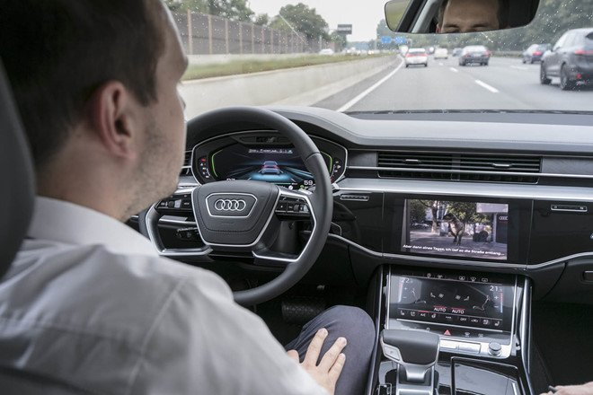 Audi bắt tay BMW và Daimler (hãng mẹ của Mercedes-Benz) phát triển công nghệ tự lái.