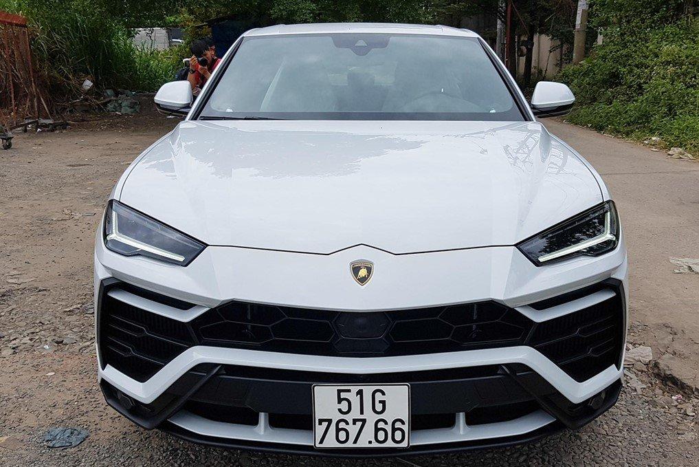 SUV Lamborghini Urus của Minh Nhựa là chiếc đầu tiên về Việt Nam.