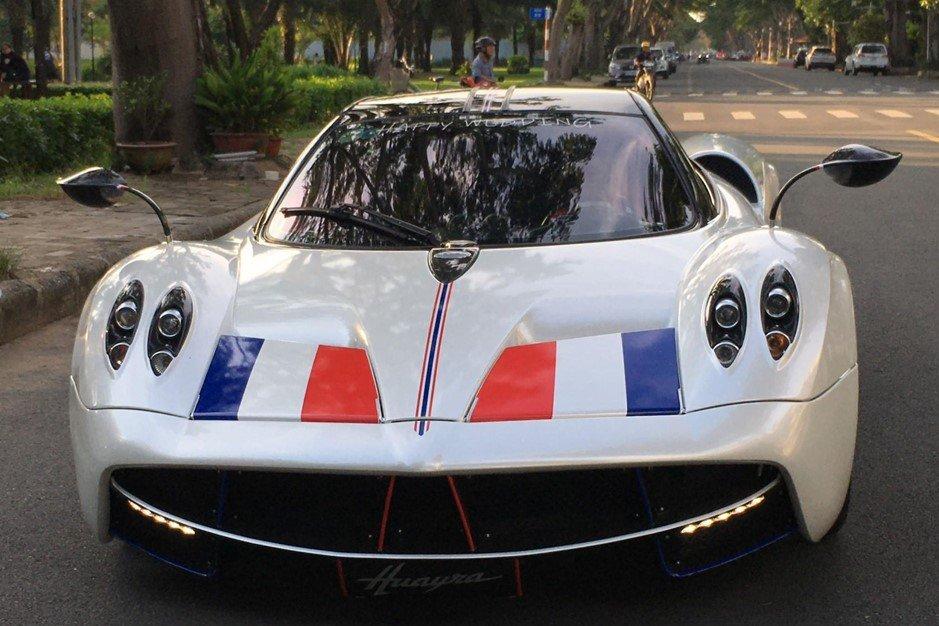 Pagani Huayra là siêu xe đắt nhất trong bộ sưu tập của đại gia Minh Nhựa.