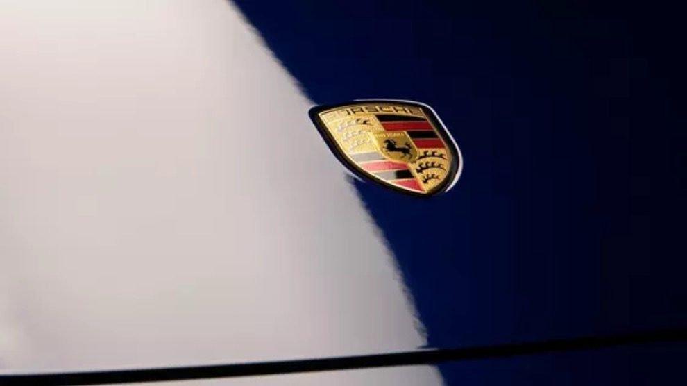 Porsche Taycan từng lập kỷ lục tốc độ dành cho ô tô điện 4 cửa tại vòng đua Nurburgring.