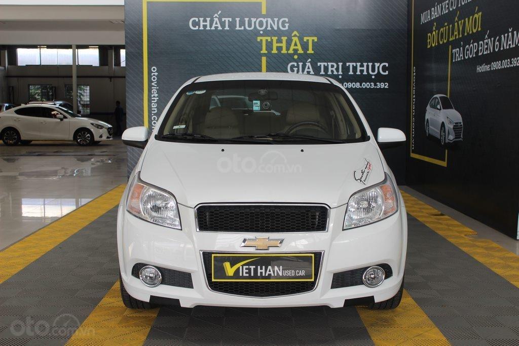 Cần bán Chevrolet Aveo LT 1.4MT sản xuất 2018, màu trắng, giá chỉ 348 triệu (2)