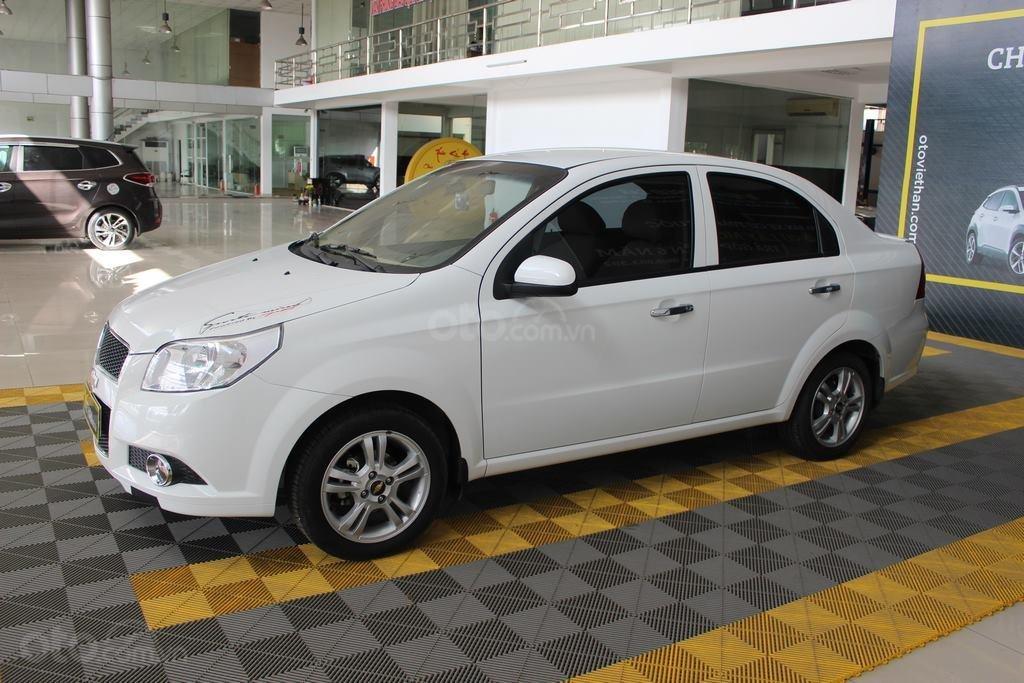 Cần bán Chevrolet Aveo LT 1.4MT sản xuất 2018, màu trắng, giá chỉ 348 triệu (1)