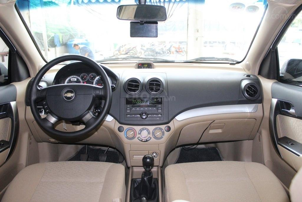 Cần bán Chevrolet Aveo LT 1.4MT sản xuất 2018, màu trắng, giá chỉ 348 triệu (8)