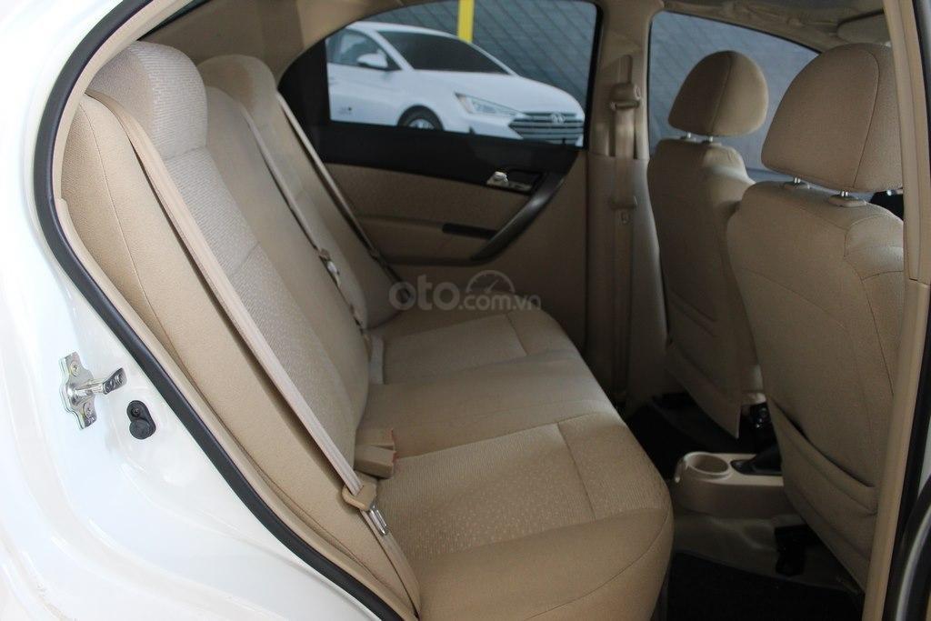 Cần bán Chevrolet Aveo LT 1.4MT sản xuất 2018, màu trắng, giá chỉ 348 triệu (7)