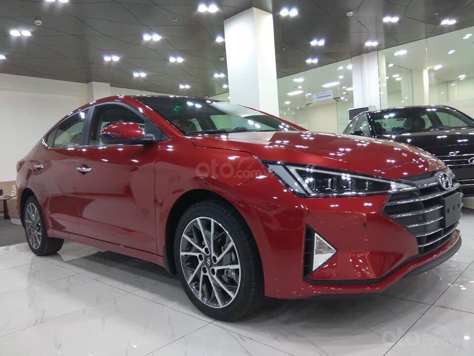 Hyundai Elantra mới 2019, trả trước 157Tr, giao xe ngay, đủ phiên bản đủ màu, khuyến mãi cực hấp dẫn LH: 0933222638 (1)