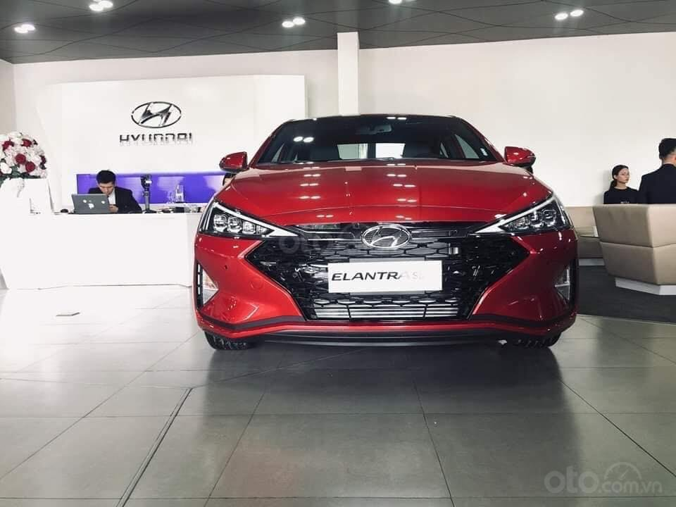 Hyundai Elantra mới 2019, trả trước 157Tr, giao xe ngay, đủ phiên bản đủ màu, khuyến mãi cực hấp dẫn LH: 0933222638 (5)