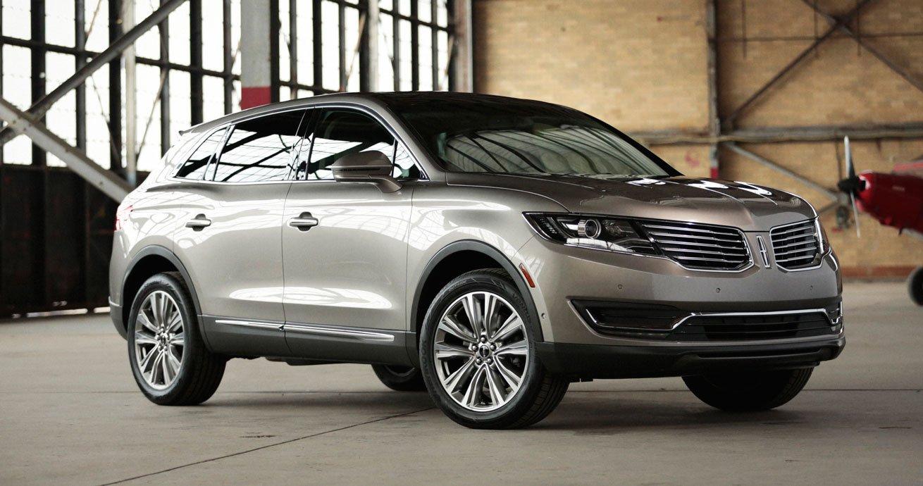 Ford Lincoln MKX 2016 bị triệu hồi do nguy cơ mất trợ lực lái.