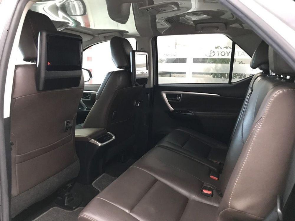 Cần bán xe Toyota Fortuner V đời 2017, nhập khẩu (5)