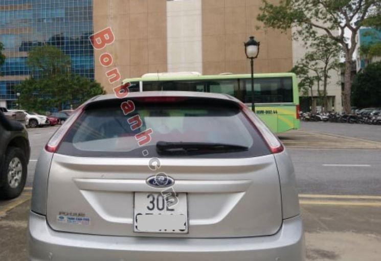 Bán xe Ford Focus sản xuất năm 2010, giá chỉ 320 triệu (4)