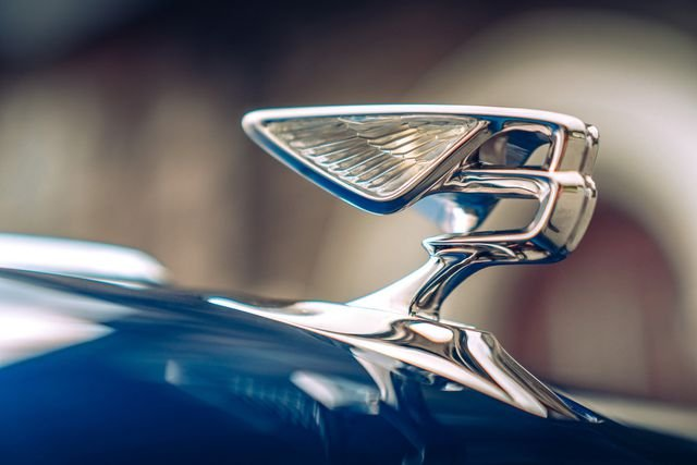 """Bentley Flying Spur thế hệ mới đánh dấu sự trở lại của biểu tượng """"Chữ B đang bay"""" a1"""