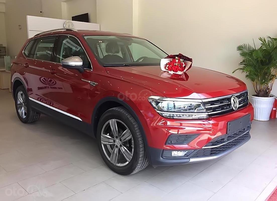 Bán Volkswagen Tiguan Allspace sản xuất năm 2018, màu đỏ, nhập khẩu (1)