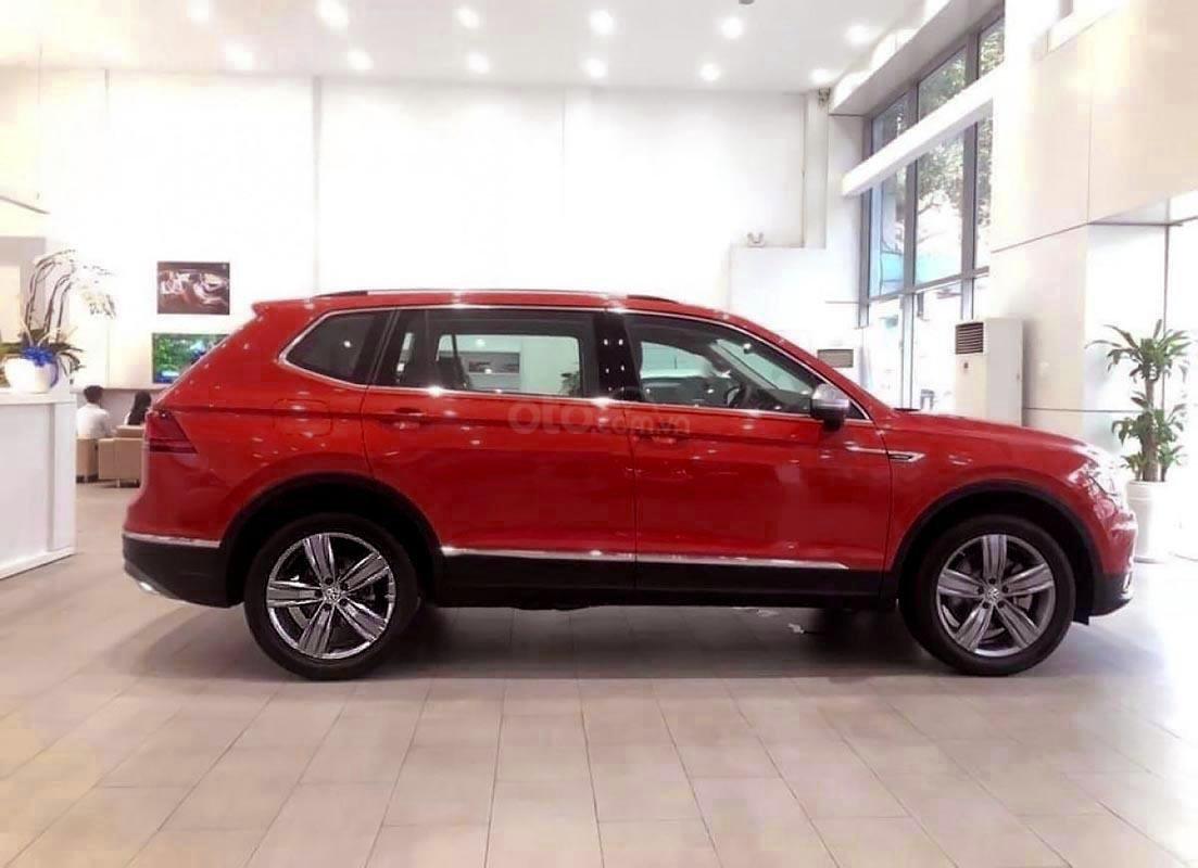 Bán Volkswagen Tiguan Allspace sản xuất năm 2018, màu đỏ, nhập khẩu (2)