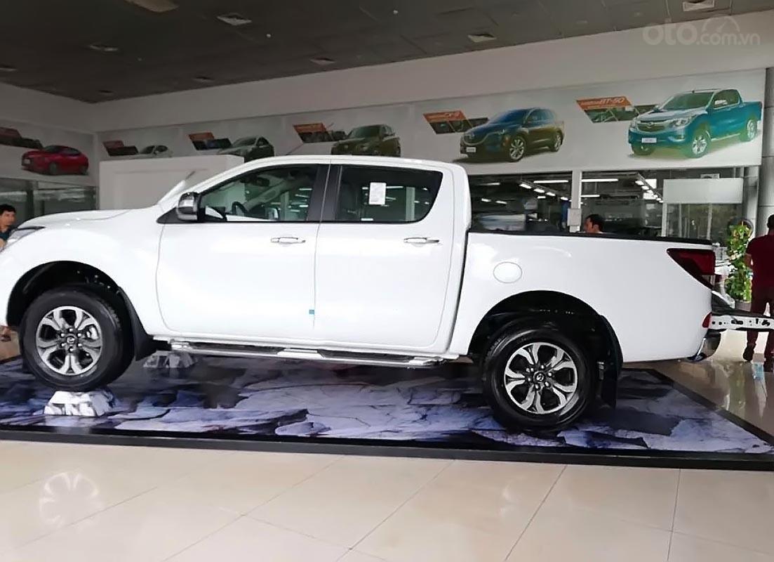 Cần bán Mazda BT 50 2.2L 4x2 AT sản xuất 2019, màu trắng, xe nhập  (2)
