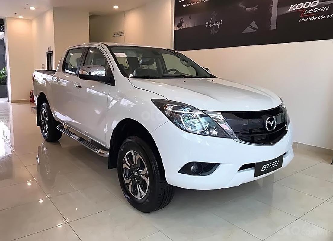 Cần bán Mazda BT 50 2.2L 4x2 AT sản xuất 2019, màu trắng, xe nhập  (1)