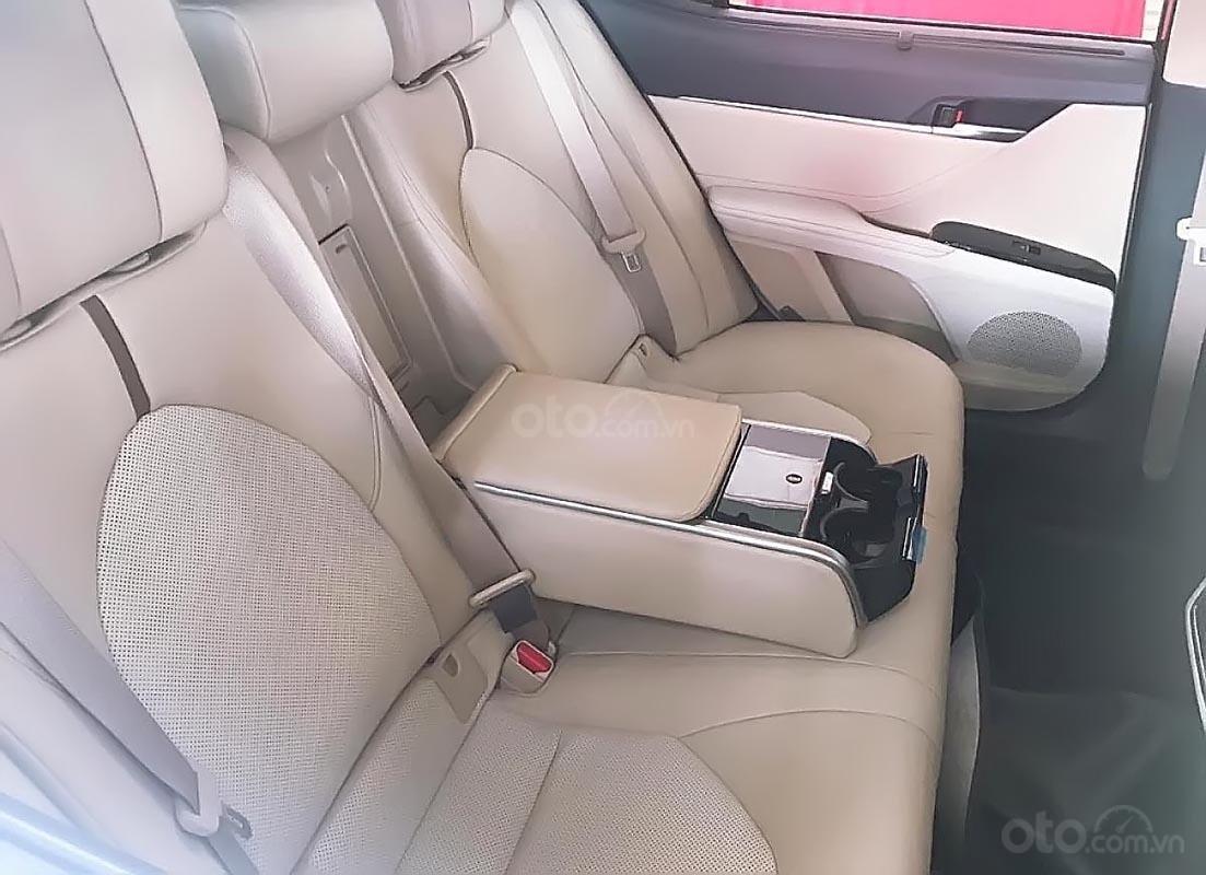 Bán ô tô Toyota Camry 2.5Q sản xuất 2019, màu trắng, nhập khẩu nguyên chiếc (3)
