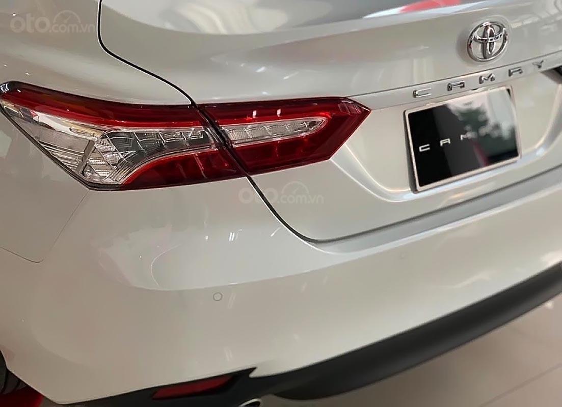 Bán ô tô Toyota Camry 2.5Q sản xuất 2019, màu trắng, nhập khẩu nguyên chiếc (2)