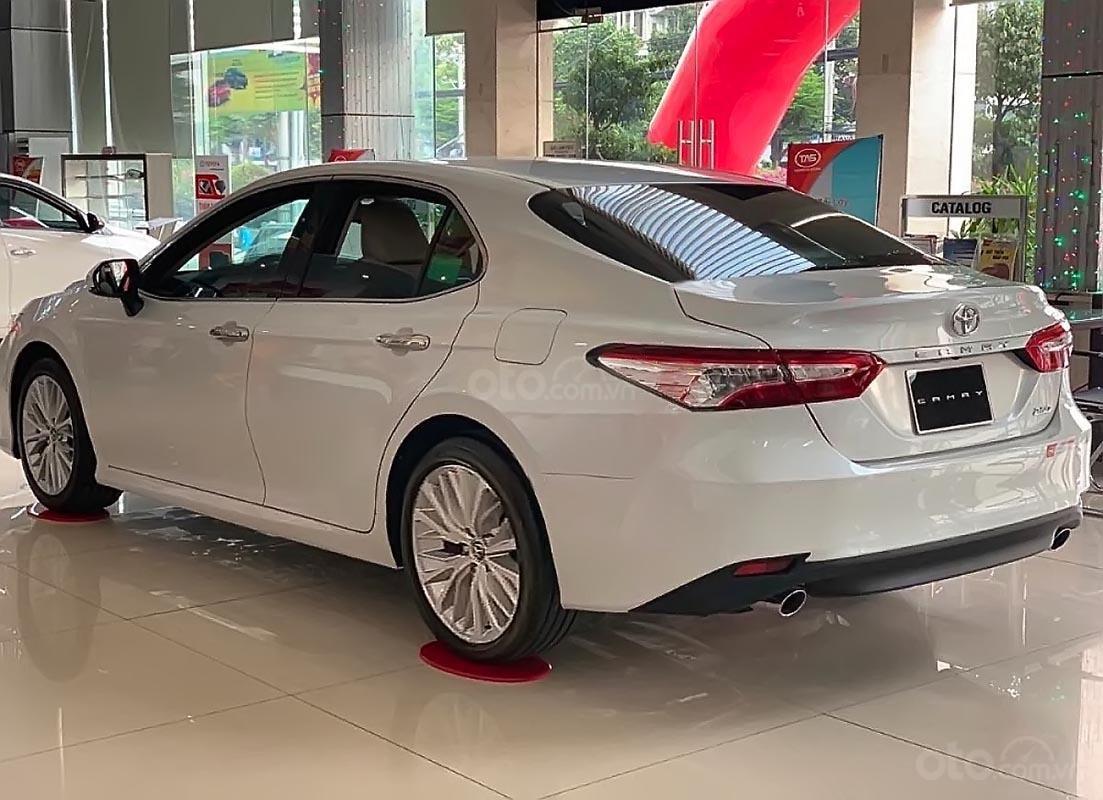 Bán ô tô Toyota Camry 2.5Q sản xuất 2019, màu trắng, nhập khẩu nguyên chiếc (4)