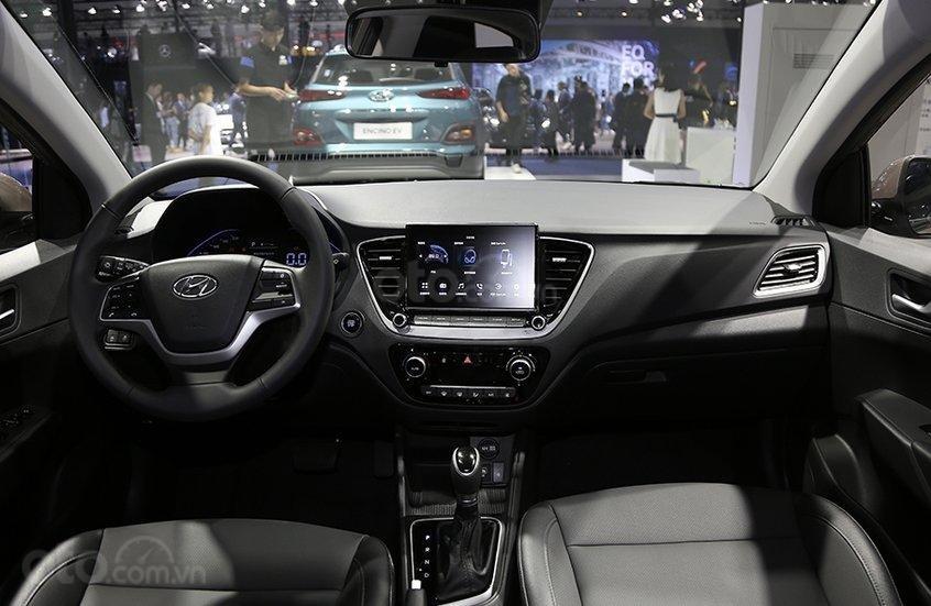 Nội thất xe Hyundai Accent 2020 nâng cấp mới,