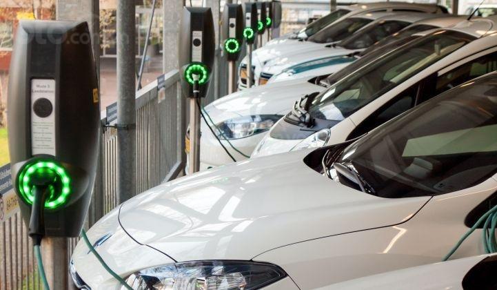 Doanh số xe điện toàn cầu giảm lần đầu tiên trong lịch sử