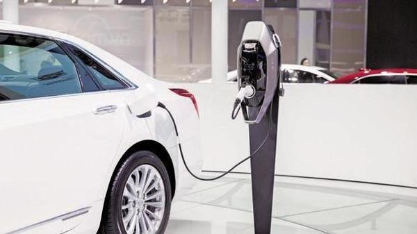 Doanh số xe điện ảnh hưởng tiêu cực bởi việc siết chặt trợ giá