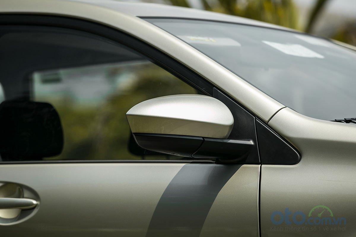 Đánh giá xe Toyota Avanza 2019 1.5 AT: Gương chiếu hậu mới cắt bỏ xi-nhan.