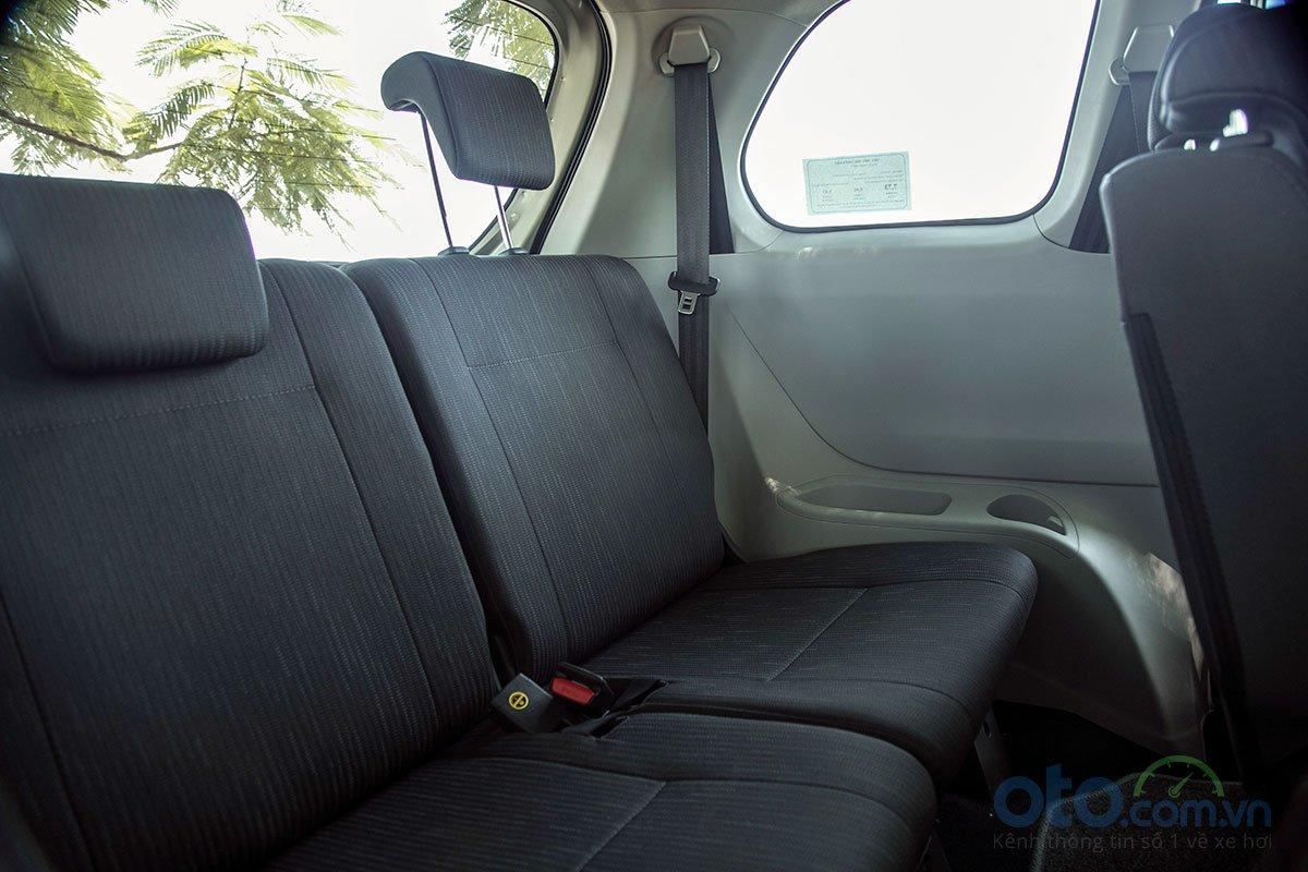 Đánh giá xe Toyota Avanza 2019 1.5 AT: Hàng ghế sau có thể gập lại để tăng diện tích chứa đồ 1