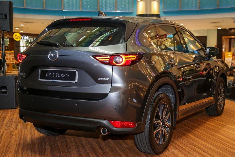 Mazda CX-5 2.5L Turbo AWD có giá khoảng 850 triệu đồng.