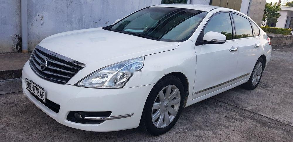 Gia đình bán Nissan Teana đời 2010, màu trắng (2)