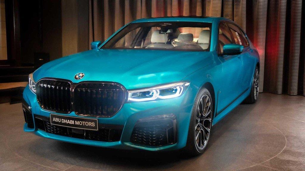 """Soi chi tiết mẫu BMW M760Li 2020 có """"bộ cánh"""" màu xanh đặc biệt a1"""