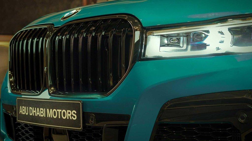 """Soi chi tiết mẫu BMW M760Li 2020 có """"bộ cánh"""" màu xanh đặc biệt a5"""