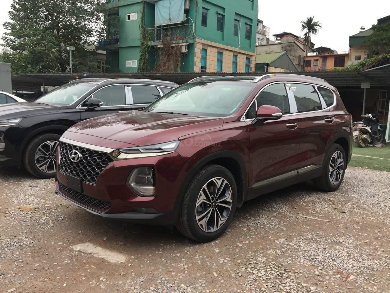 Bán Hyundai Santa Fe giao ngay, giá giảm sâu, tặng gói phụ kiện hấp dẫn, LH 0907 321001 (1)