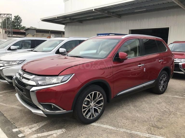 Giá xe Mitsubishi Outlander 2.0 CVT Premium 2019, màu đỏ, KM tặng hấp dẫn bất ngờ, LH 0909076622 (5)