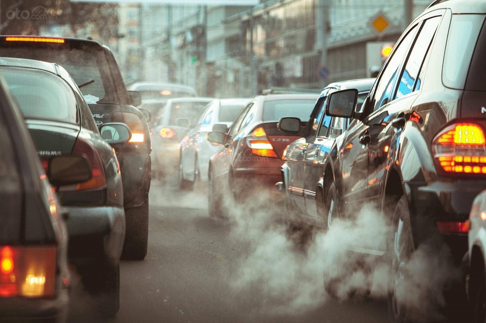 Hưởng ứng phong trào bảo vệ môi trường, các thành phố châu Á chuyển sang dùng xe điện.