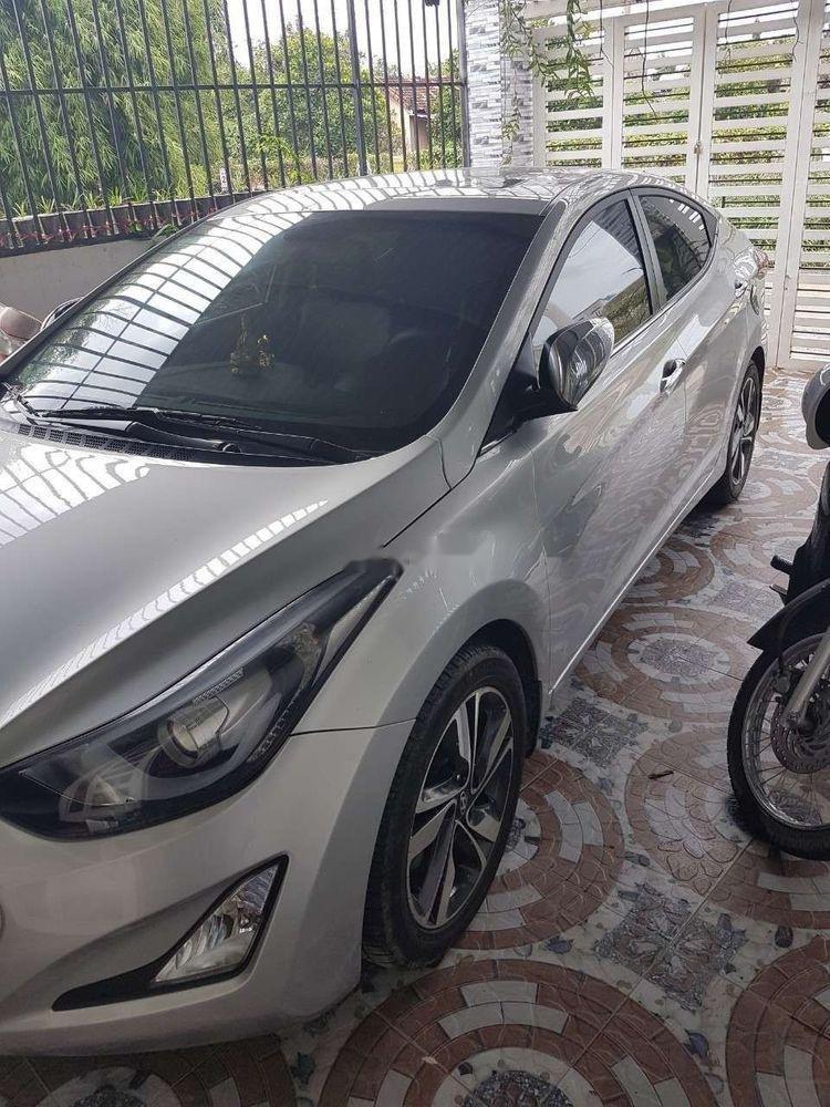 Cần bán Hyundai Elantra đời 2014, màu bạc, nhập khẩu nguyên chiếc ít sử dụng, giá 500tr (1)