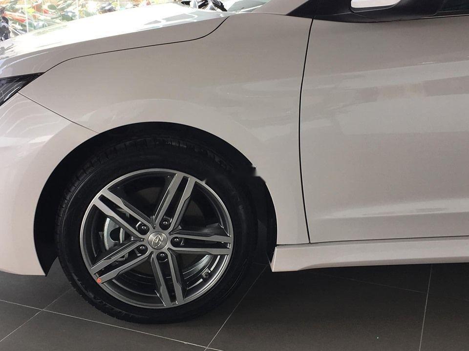 Cần bán xe Hyundai Elantra Sport đời 2019, nhập khẩu, giá tốt (3)