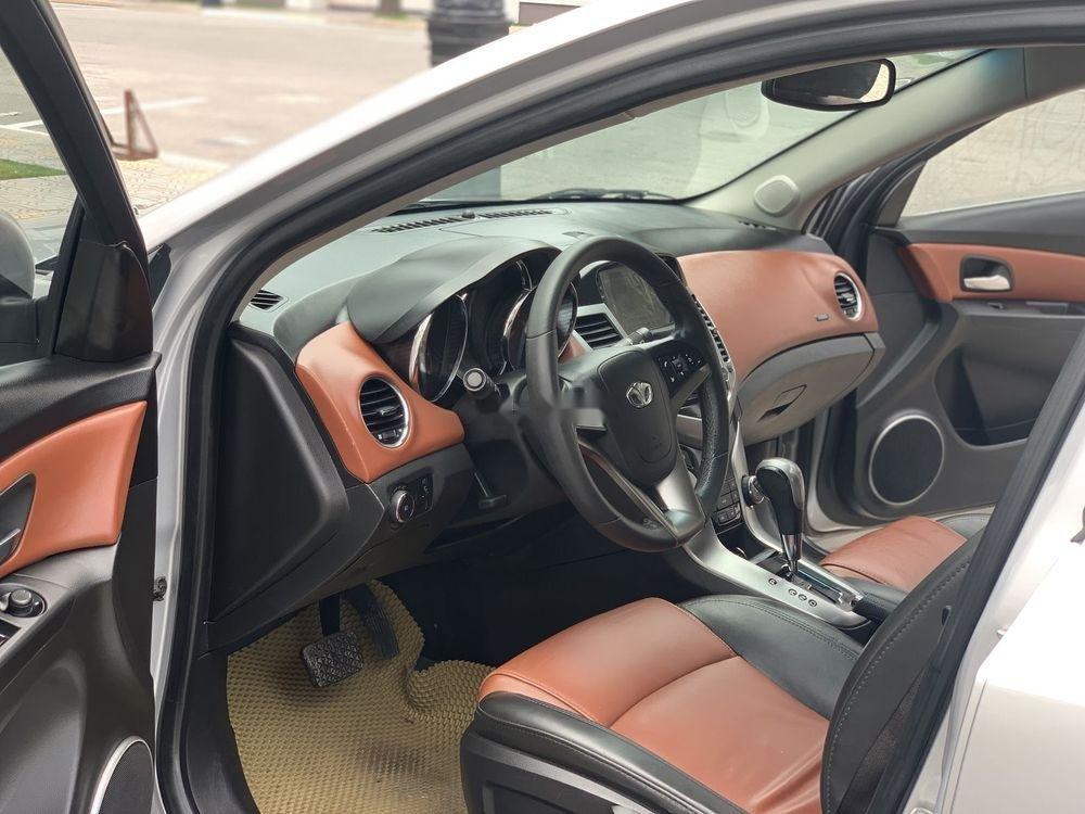 Cần bán nhanh chiếc Daewoo Lacetti CDX model 2010 số tự động rất đẹp (3)