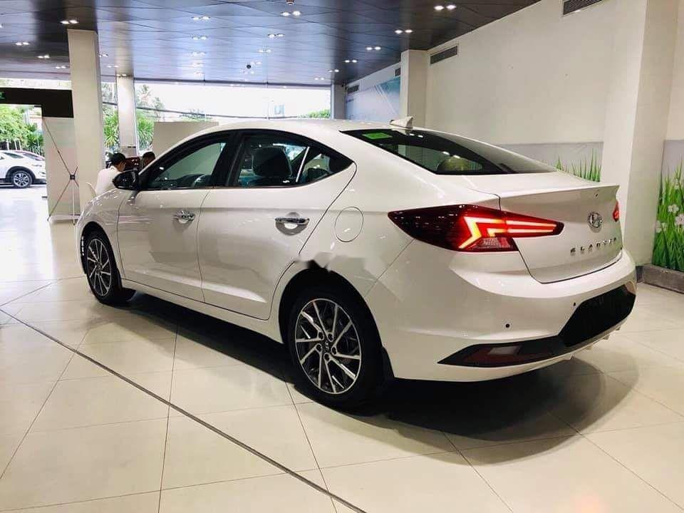 Cần bán xe Hyundai Elantra Sport đời 2019, nhập khẩu, giá tốt (2)