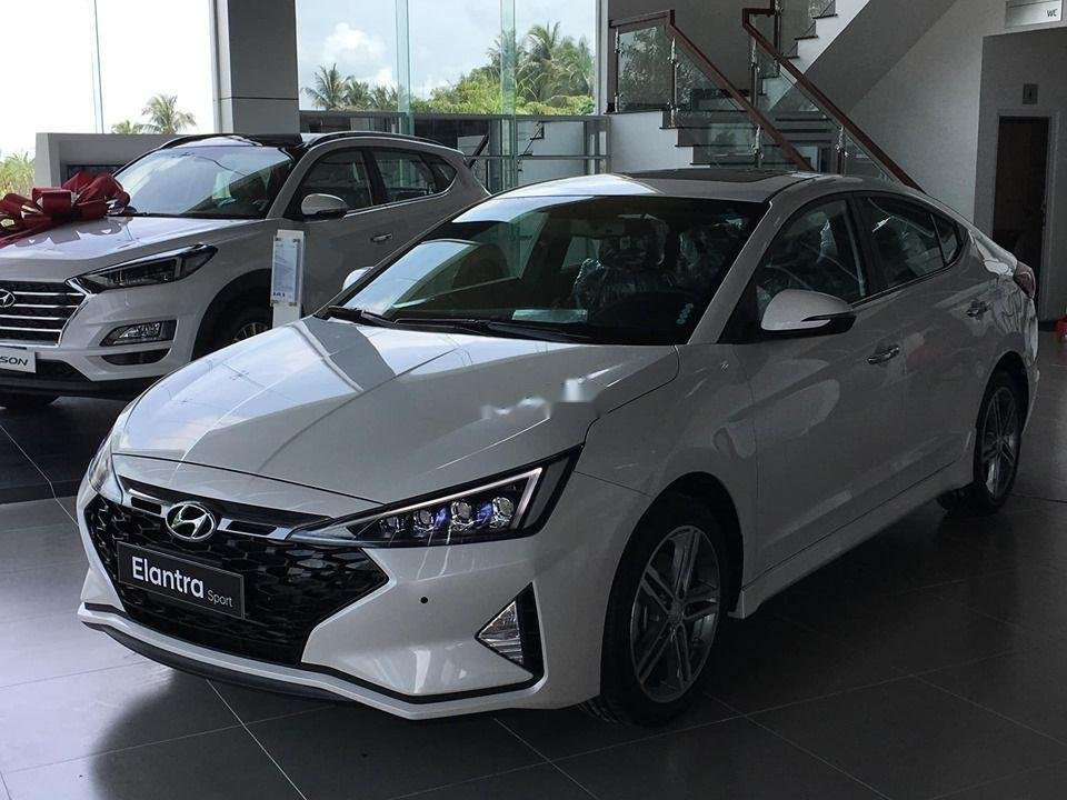 Cần bán xe Hyundai Elantra Sport đời 2019, nhập khẩu, giá tốt (1)