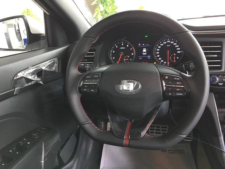 Cần bán xe Hyundai Elantra Sport đời 2019, nhập khẩu, giá tốt (4)