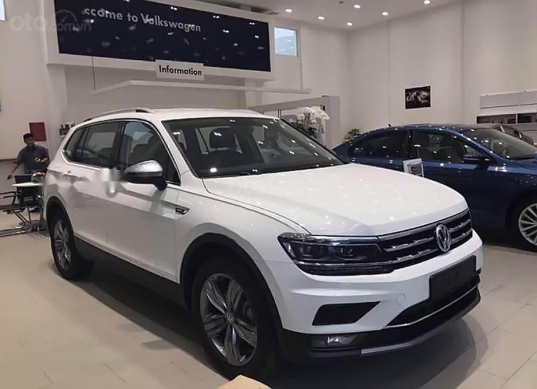Bán Volkswagen Tiguan Allspace Luxury sản xuất năm 2019, màu trắng, nhập khẩu-0