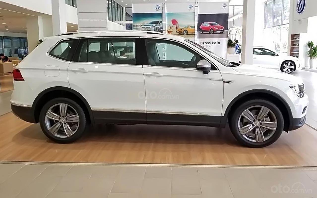 Bán Volkswagen Tiguan Allspace Luxury sản xuất năm 2019, màu trắng, nhập khẩu-1