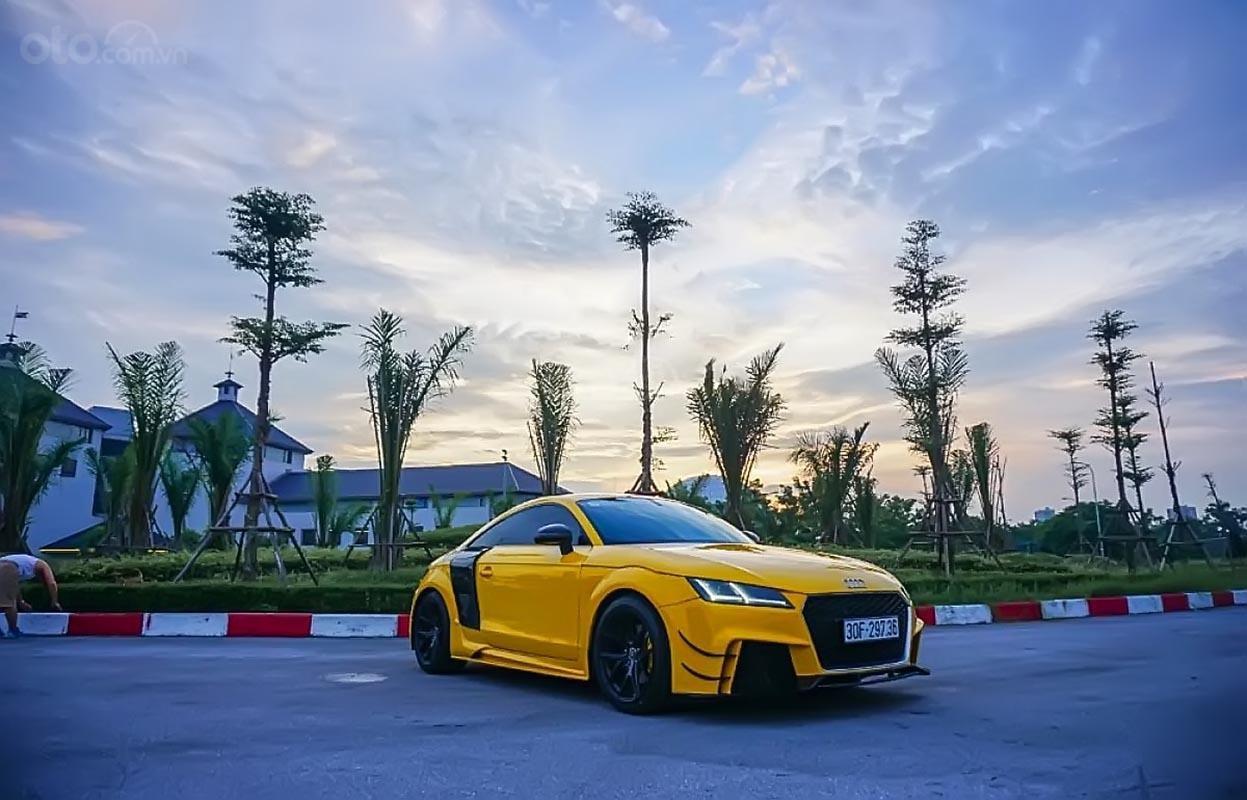 Cần bán xe Audi TT sản xuất năm 2008, màu vàng, nhập khẩu-0