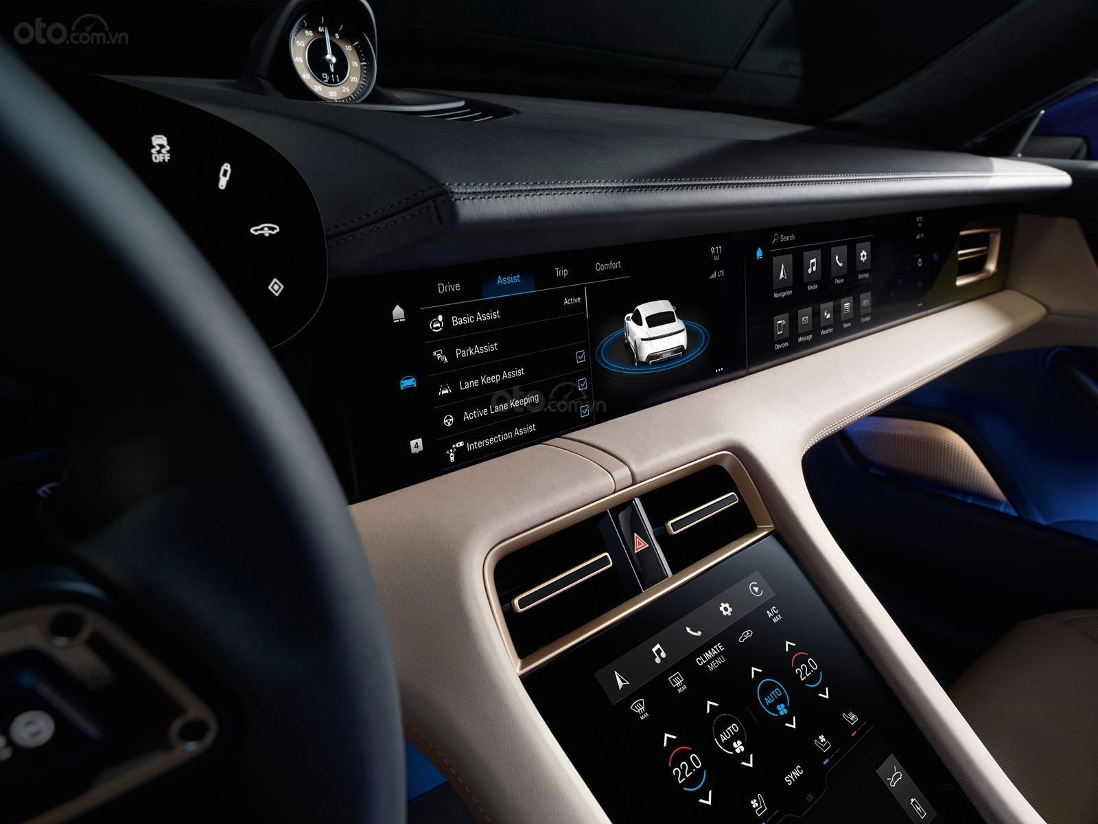 Đánh giá xe Porsche Taycan 2020 về trang bị tiện nghi - ảnh 3